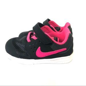NWOB Nike infant toddle downshifted 7 Size 8C